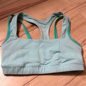 🍁3/15🍁Lululemon sports bra size 4
